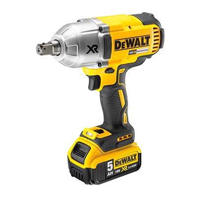 Dewalt-DCF899-con-bateria